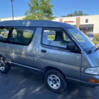 Clean Toyota Mini Van 23k miles 4×4